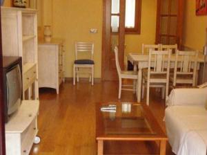 Salón comedor piso reforma en Pamplona