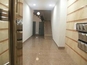 Rehabilitación estructural e instalación ascensor