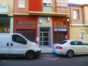 Fachada de edificio rehabilitado en Zaragoza