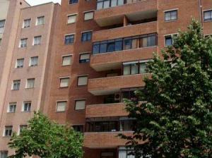 Exterior del edificio del piso en alquiler en Pamplona